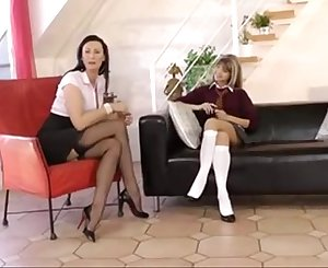 Schoolgirl seduces Mummy step mom for lezzie action www.katherinecams.com
