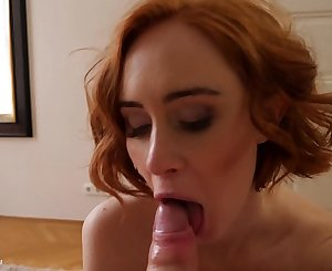 Camgirl Lenina Crowne fucks in this homemade amateur pornography video